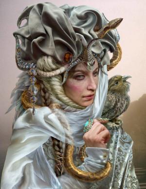 дама со змеей 1